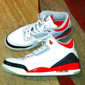 Air Jordan 3 Retro Fire Red mens shoe